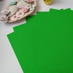 Дизайнерский картон зеленый 21*22,5 см, плотность 270 гр