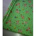 Отрез ткани детская салатовая с собачками 45*50 см хлопок