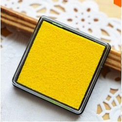 Штемпельная полушка Желтая 4*4см