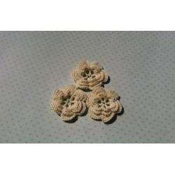 Цветочек кремовый 3,5 см